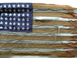 tattered-flag-432580_640