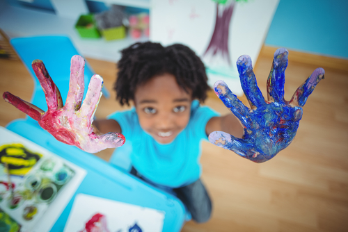 happy kid hand painting