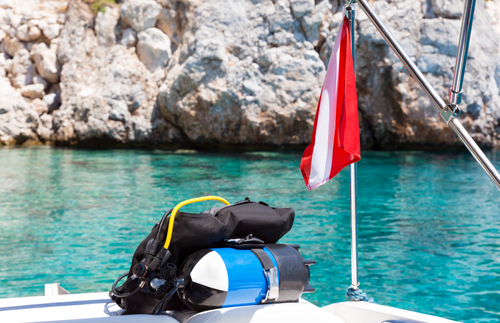 divers flag scuba equipment