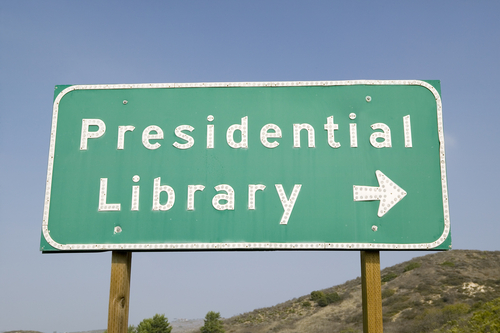 presidential library highway sign